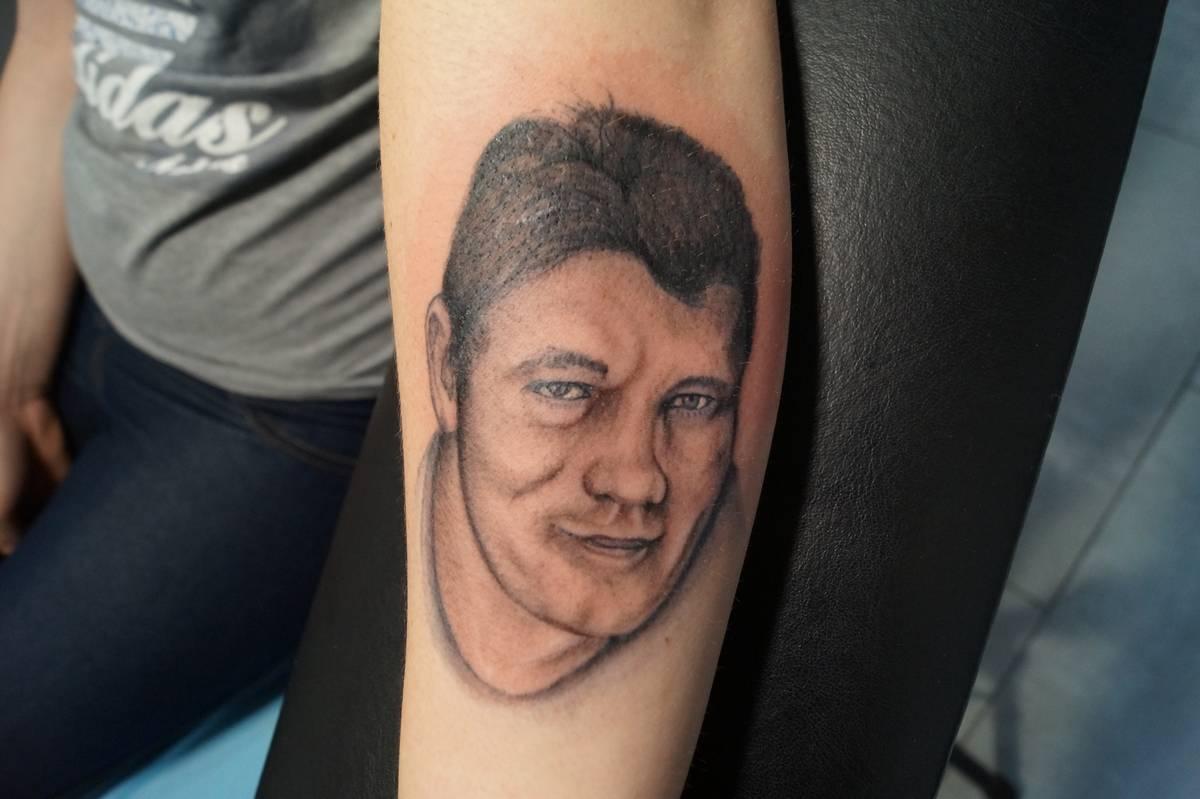 realisme-portrait–visage-tete-de-homme-18