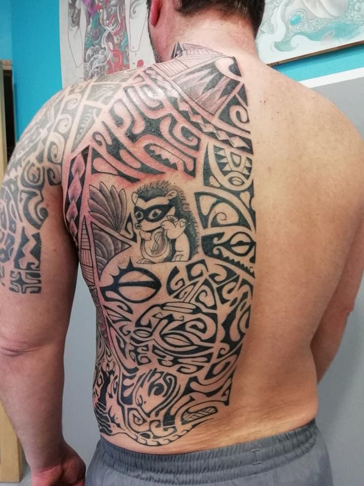 tatouage polynesien dos 72