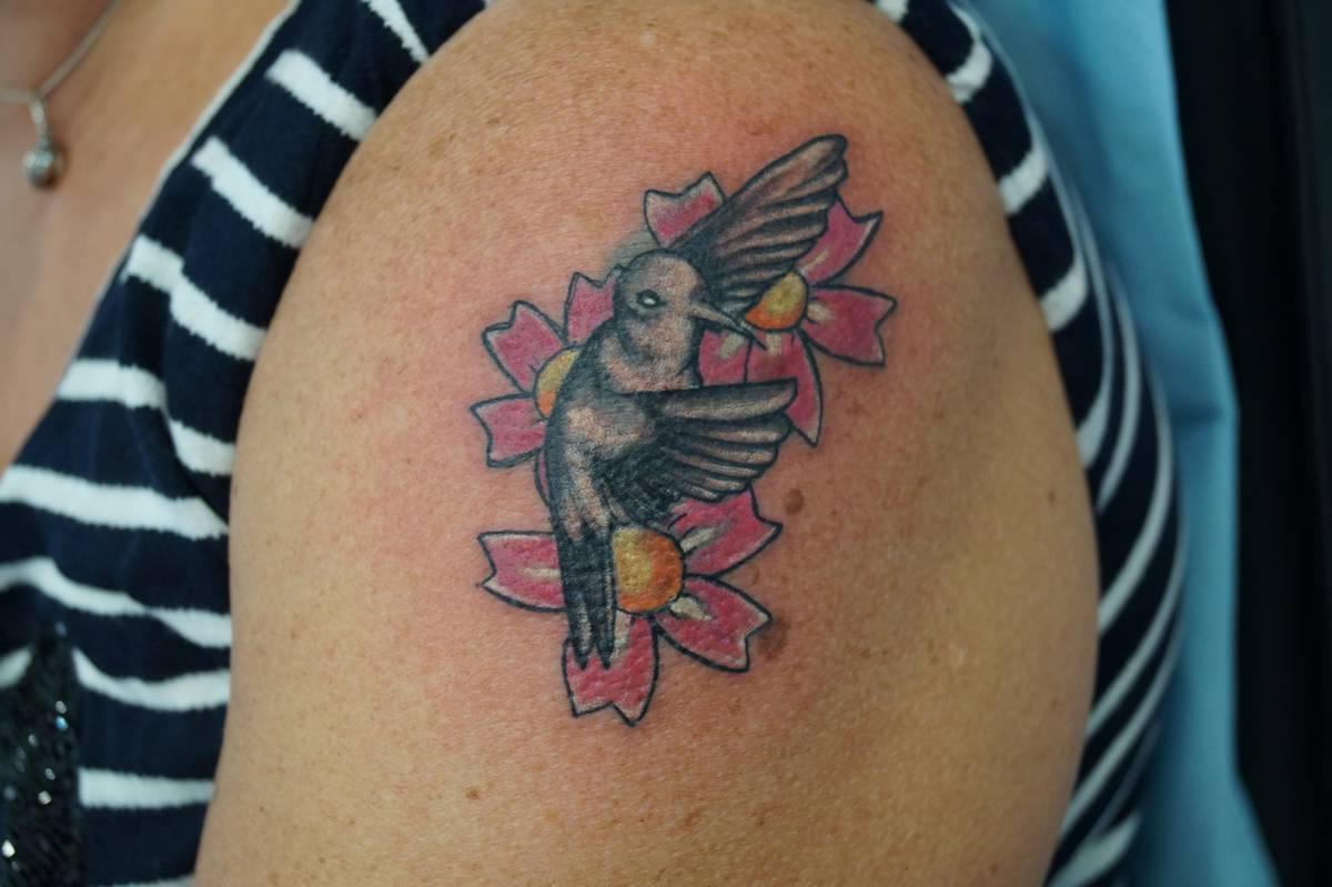tattoo-couleurs-oisaeux-fleurs-cerisier-japonais-15